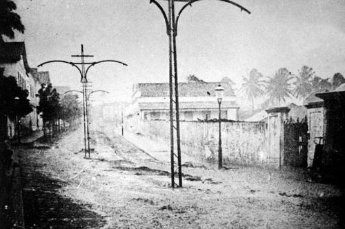Antiga Avenida Junqueira Aires em meio a chuva no início do século XX
