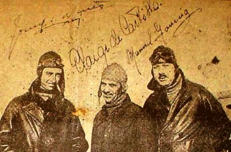"""Da esquerda para direita temos Sarmento de Beires, Castilho e Gouveia, os portugueses do """"Argus"""""""