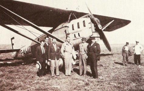 Paul Vachet no centro da foto