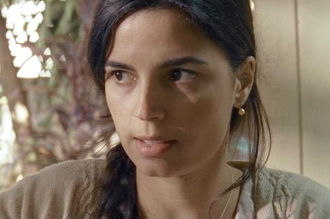 """Emanuelle Araújo em cena de """"Aos Ventos que Virão"""", de Hermano Penna"""