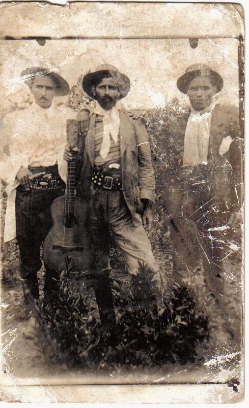 Fonte - http://desmanipulador.blogspot.com.br/2012/07/dioguinho-o-bandoleiro-do-brasil.html