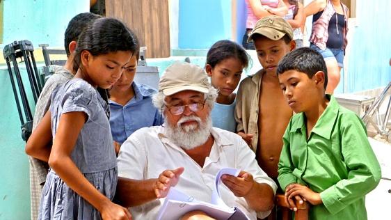 O diretor e as crianças do sertão