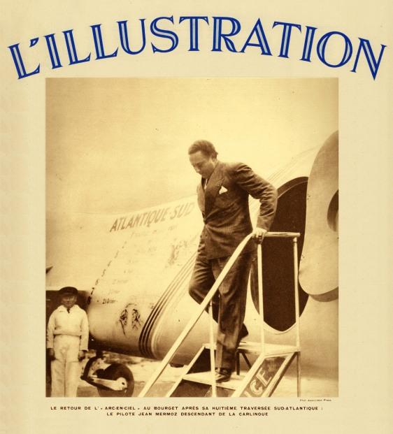 """Jean Mermoz desembarca no campo de aviação de Le Bourget depois de sua oitava travessia do Atlântico Sul a bordo de seu avião """"Arc-en-Ciel"""". Esta foto foi publicada na capa da revista L`illustration de 3 de Novembro de 1934."""