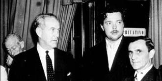 A esquerda Oswaldo Aranha e ao seu lado Orson Welles