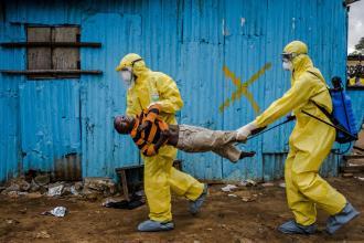 Tragédia dos dias atuais. Incrível como a comunidade internacional demorou a reagir ao caso. Certamente por ser na África - Fonte - www.nbcnews.com