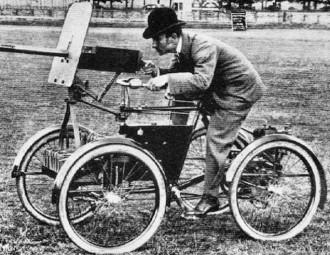Quadriciclo com metralhadora de 7.62mm produzida por F. R. Simms (1899)