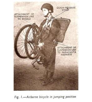 Bicicleta dobrável britânica utilizada por paraquedistas durante a II Guerra Mundial