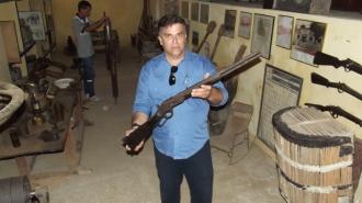 Rifle Winchester 44 que teria pertencido a um dos cangaceiro do grupo de Antonio Silvino.