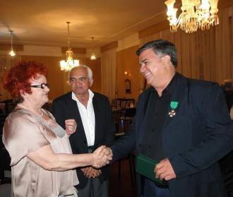 Apertando a mão da Secretária Extraordinária de Cultura Isaura Rosado,  junto com o sub-secretário de agricultura do governo potiguar e ex-prefeito de Carnaúba dos Dantas, Valdenor Euclides