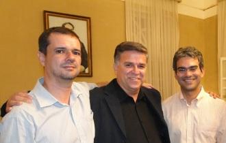 Com os velhos amigos Ricardo Sávio Trigueiro de Morais e Solon Almeida Netto.