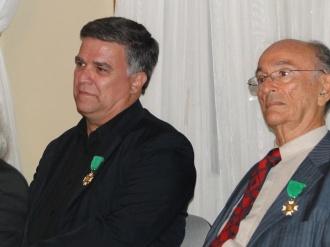 Muita honra receber esta medalha ao lado de um homem que para mim é um verdadeiro gênio - O Professor Claudio Galvão.