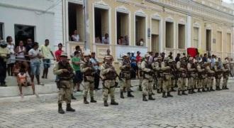 No ato, o Comandante Geral da PM, Coronel Alfredo Castro, e o Prefeito Tarcísio de Oliveira reinauguraram o Destacamento da PM.