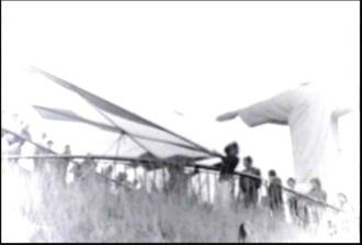 Primeiro voo de asa delta no Brasil, em 1974.