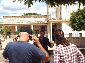 Junior Alves defronte a casa do coronel José Pereira, em Princesa Isabel (PB)