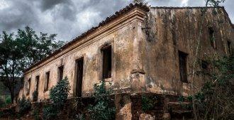 Antiga Casa Grande em Patos de Irerê (PB), onde a mulher de Marcolino, protetor de Lampião, ficou refém da polícia com outras mulheres.