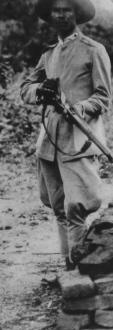 Farda e armamento típico dos homens do coronel José Pereira