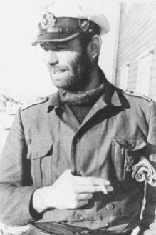 Aqui vemos o pelo Kapitänleutnant Dietrich von der Esch, comandante do U-863 - Fonte - http://uboat.net/index.html