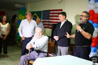 O grande amigo Augusto Maranhão discursando no lançamento do nosso livro