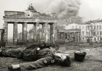 Fim da guerra e do regime nazista na Alemanha - Fonte - www.civishir.hu