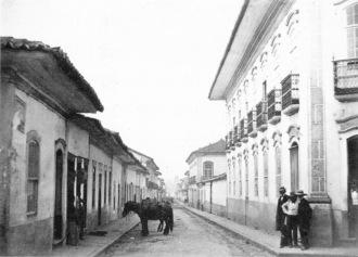 Rua São Bento em 1862, vista da esquina da Rua do Ouvidor, atual José Bonifácio, em direção ao mosteiro