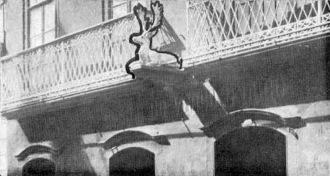 Frente da loja em 1920, no n. 40, antes da mudança para o n. 33.