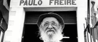 """O pernambucano Paulo Freire está na lista. Uma frade - """"O educador já não é o que apenas educa, mas o que, enquanto educa, é educado, em diálogo com o educando que, ao ser educado, também educado"""""""