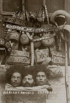 Marcas do cangaço - Cabeças cortadas e uma estética própria nos equipamentos -  Na foto vemos as cabeças dos cangaceiros Mariano, Pai Véio e Zeppelin, mortos em 25 de outubro de 1936, na fazenda Cangalexo, Porto da Folha, Sergipe.