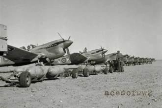 Caças P-40 do 260 Squadron da RAF - Fonte - www.acesofww2.com