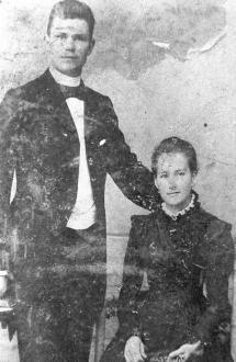 Esta é a única foto do casamento é a única que os pesquisadores  apontam como autêntica de João Jorge Maurer e Jacobina Mentz