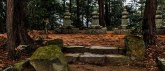 Um memorial para Oda Nobutada nas ruínas do castelo de Azuchi, onde Yasuke combateu os inimigos do seu senhor - Fonte -  http://enterjapan.me/yasuke/