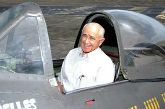 O Brigadeiro Rui de novo na cabine de um P-47 - Fonte - http://www.cartacapital.com.br/sociedade/uma-mentira-que-insiste-em-sobreviver-8561.html