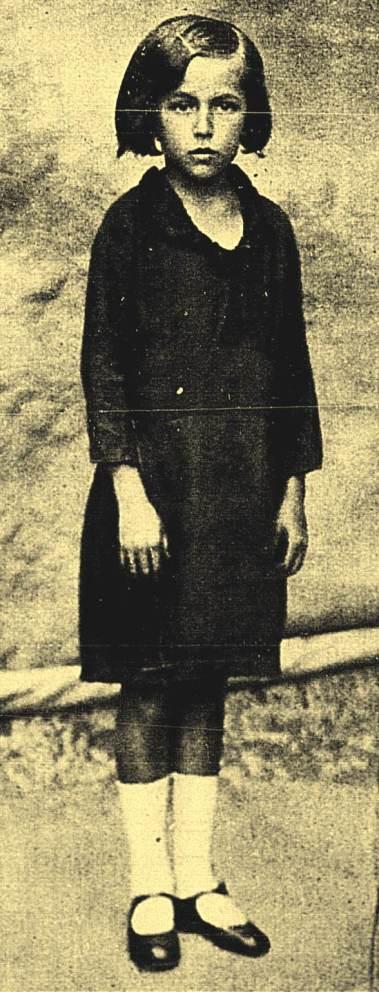 A pequena Judite de nove anos, fotografada em Senhor do Bonfim.