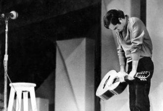 Vandré ficou em segundo lugar, mas foi o preferido do público no 3º Festival de Música Popular Brasileira, em 1968. Foto: Ediouro Publicações/Divulgação