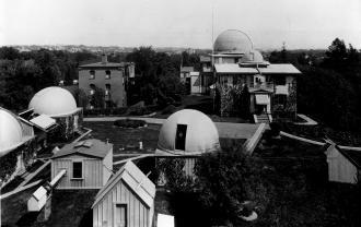 O Harvard College Observatory em 1899 - Fonte - www.bshs.org.uk