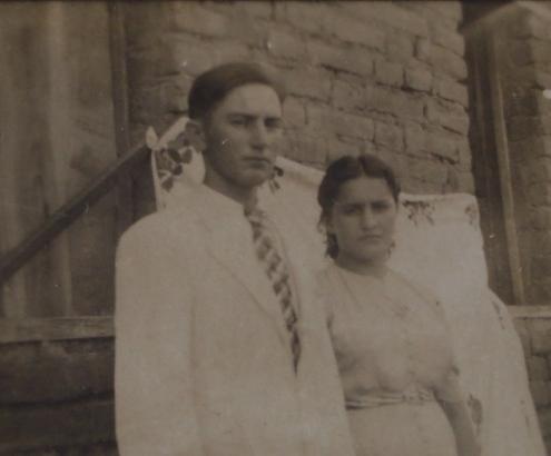 Foto de jovem casal do sertão potiguar entre as décadas de 1920 e 30. Pouca margem para mostrar em fotografias algum aspecto de felicidade.