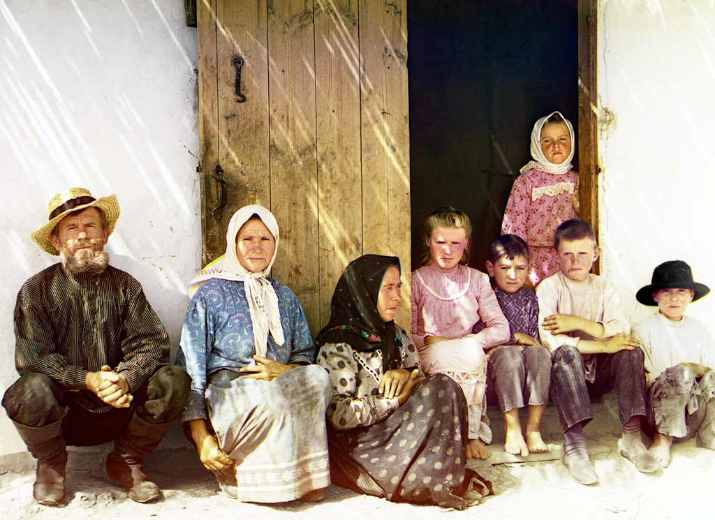 Russian_settlers,_possibly_Molokans,_in_the_Mugan_steppe_of_Azerbaijan._Sergei_Mikhailovich_Prokudin-Gorskii