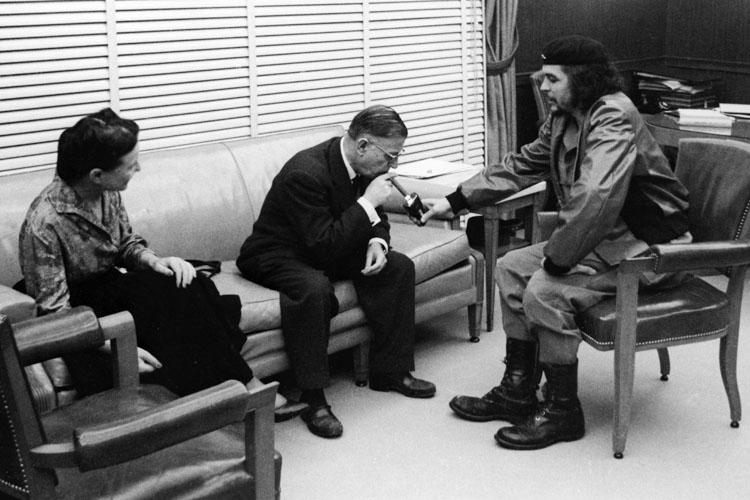 Simone-de-Beauvoir-Jean-Paul-Sartre-e-Ernesto-'Che'-Guevara-em-1960-em-Cuba