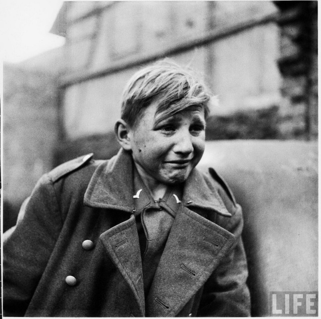 a-15-years-old-german-luftwaffe-anti-aircraft-crew-member-crying-after-being-taken-prisoner-by-american-forces2