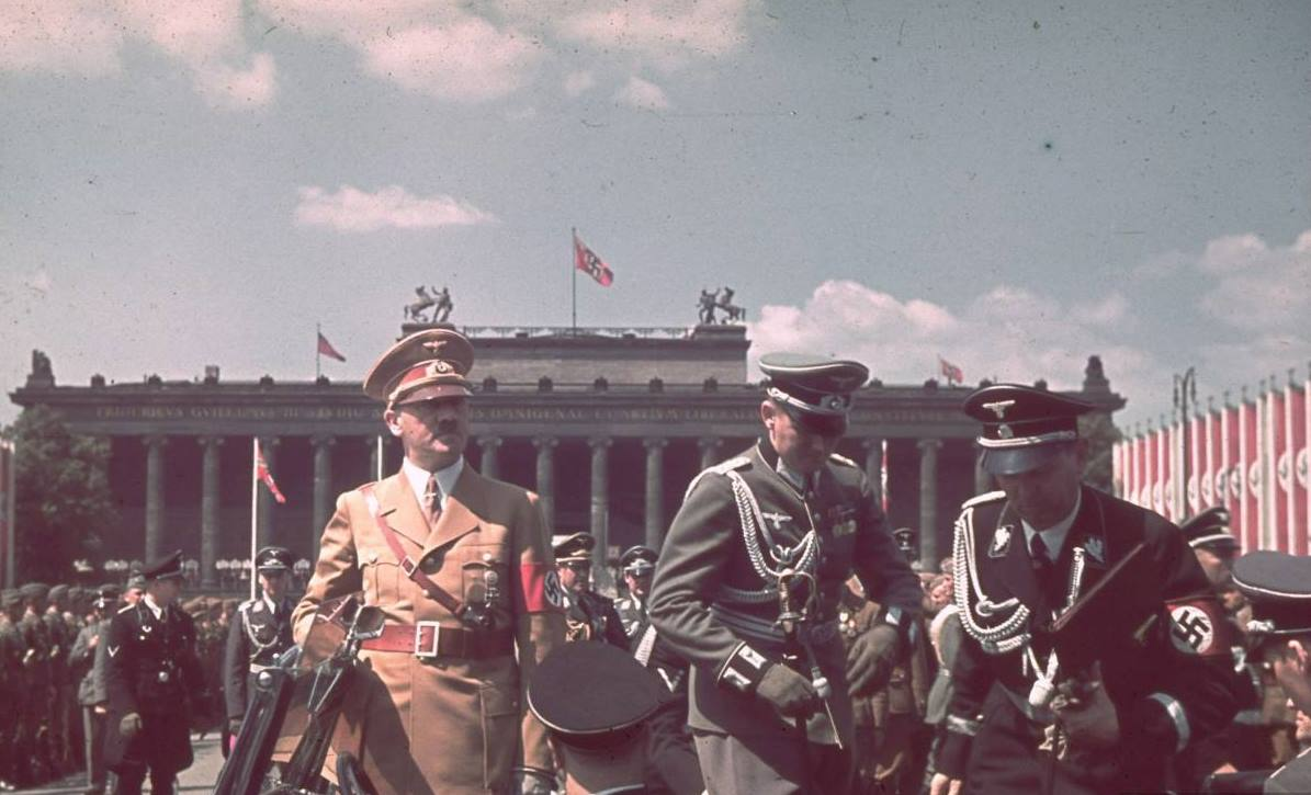 hitler-during-the-parade-celebrating-the-legion-condor-on-its-return-from-spain