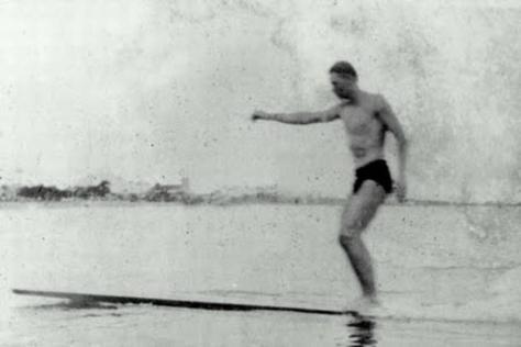 thomas-rittscher-junior-o-pioneiro-do-surfe-brasileiro-111124190136