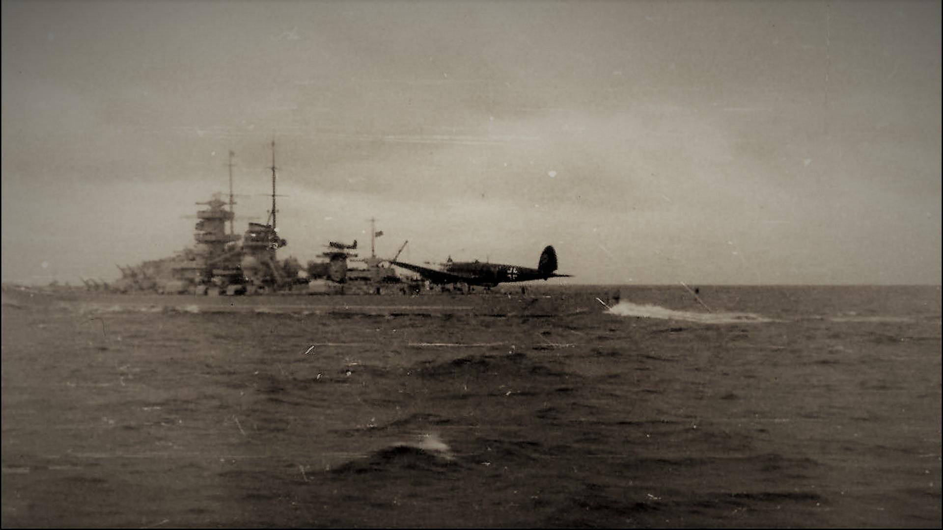 KMS Gneisenau Heinkel He 111