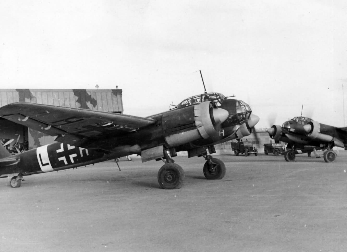 worldwarphotos.infoJunkers_Ju_88_of_LG_1